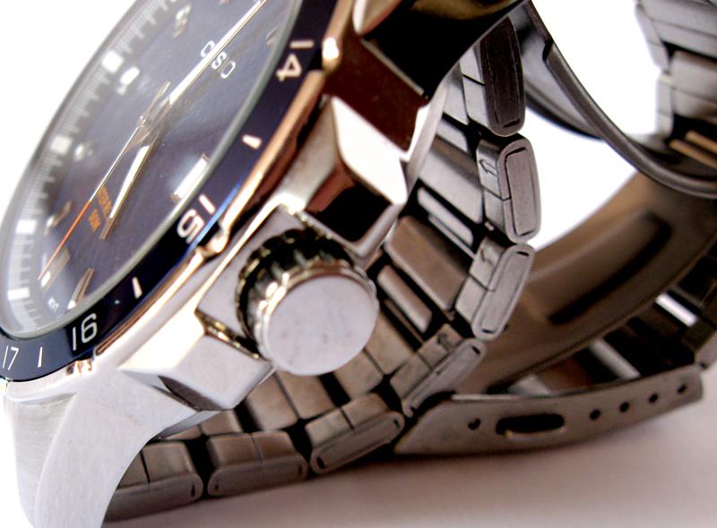 часы с металлическим браслетом