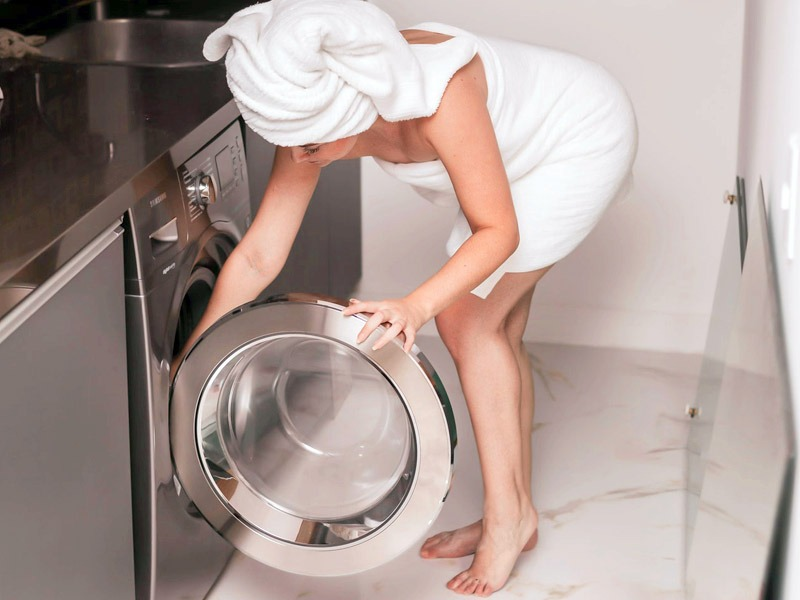 течет вода из под стиральной машины