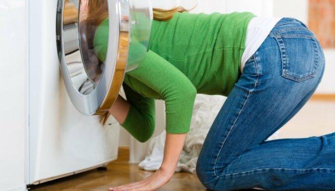 течет стиральная машинка снизу причины