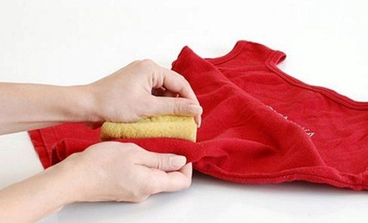 вото-как-убрать-корректор-с-одежды