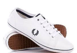 чем отбелить белые кроссовки от желтизны