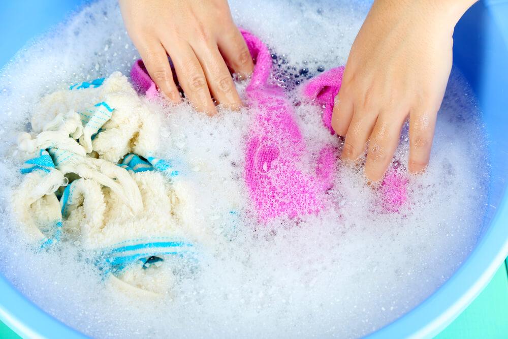 Как отстирать полинявшее цветное белье